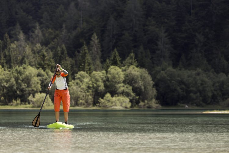 5 Must-Have Waterproof Gadgets When Paddle Boarding